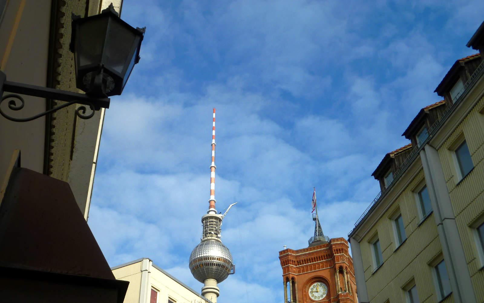 Fernsehturm, Rotes Rathaus und Nikolaiviertel